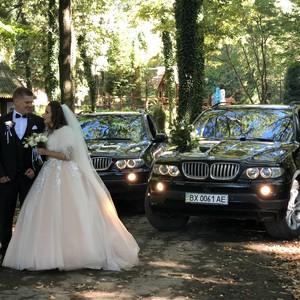 8512be0e96aa9a Автомобілі та Кортеж на весілля у Чернівцях: ціни, рейтинг, відгуки ...
