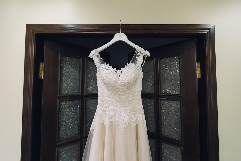Продам весільне плаття. Дизайнер Оксана Муха - Весільний каталог ... 77f377a5f0912