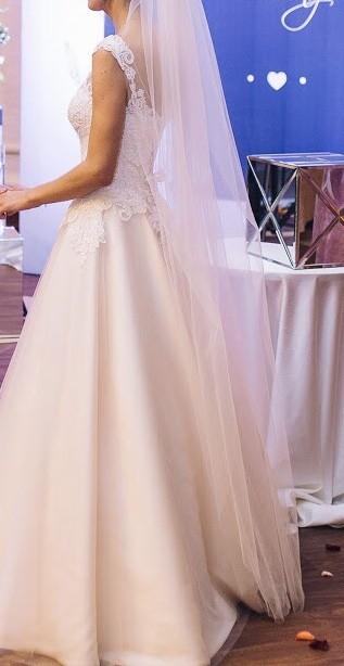 910108ddf892ef Продам весільне плаття. Дизайнер Оксана Муха - Свадебный каталог ...