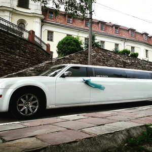АРЕНДА ЛИМУЗИНА CHRYSLER 300С та PARTY BUS