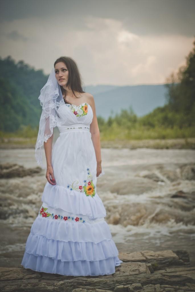 Весільні сукні в українському стилі - Весільний каталог Girko.net e7d21c1a20e60