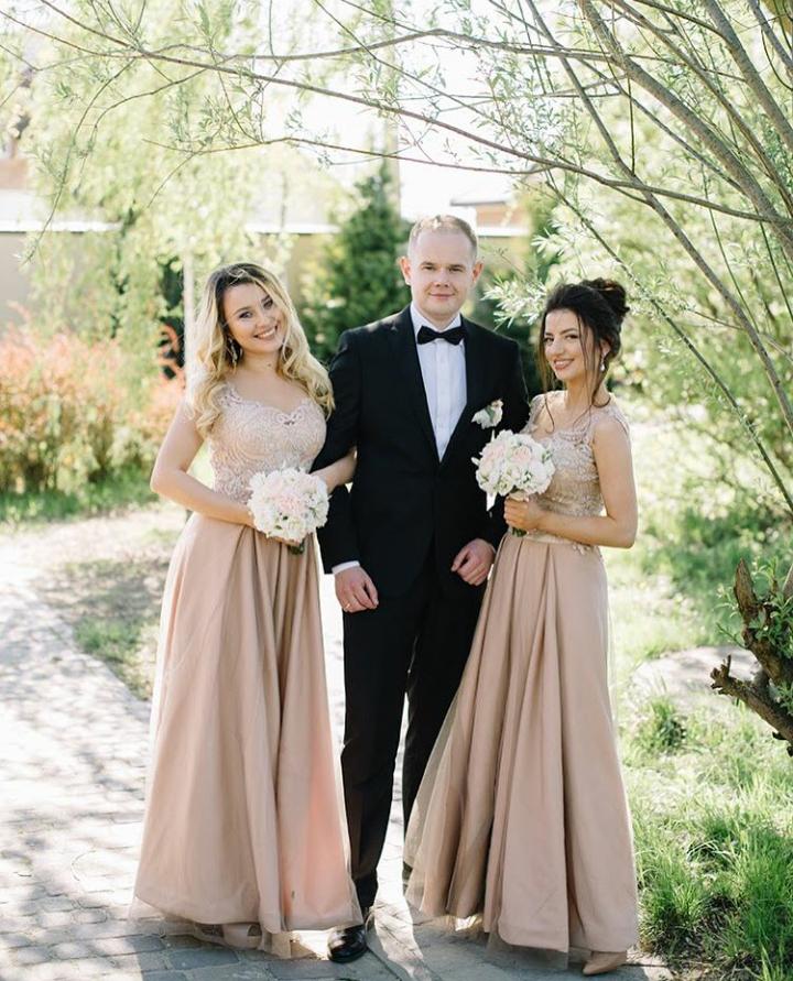 SIRAK Вечірні сукні для дружок та свята на прокат - Весільний ... bcf71f3ce61da